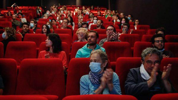 โรงภาพยนตร์อาจก่อให้เกิดโควิดน้อยลง